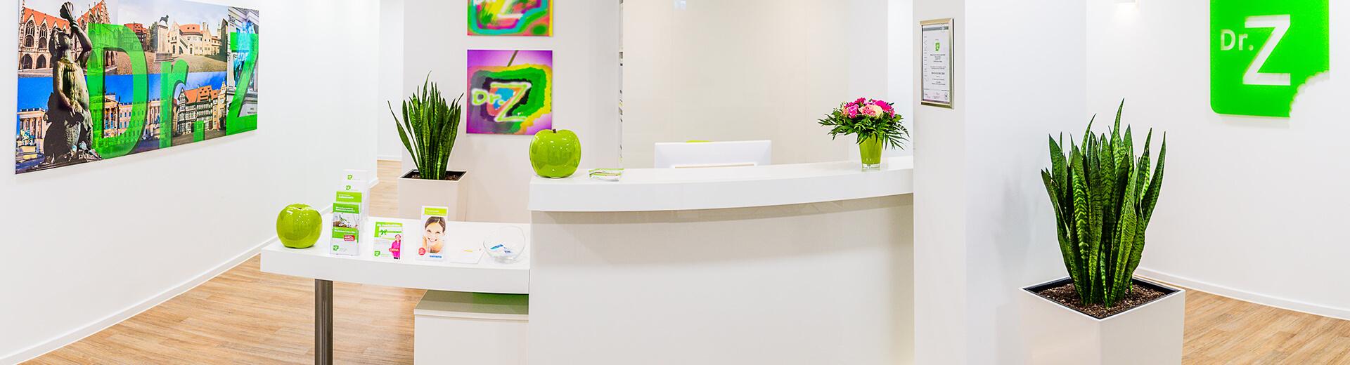 dr z zahnarzt in braunschweig zahnersatz zahnimplantate. Black Bedroom Furniture Sets. Home Design Ideas