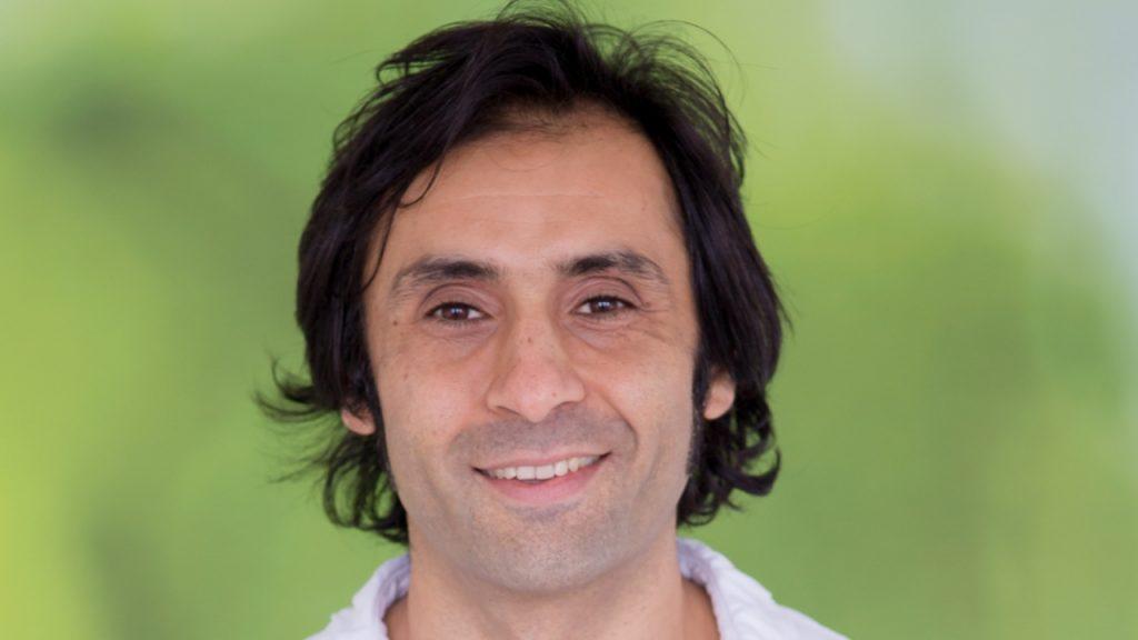 Master Orale Chirurgie/Implantologie für Zahnarzt Daniel Malek